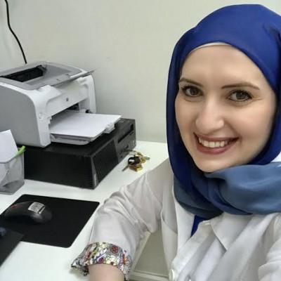 Dr Manal Adi