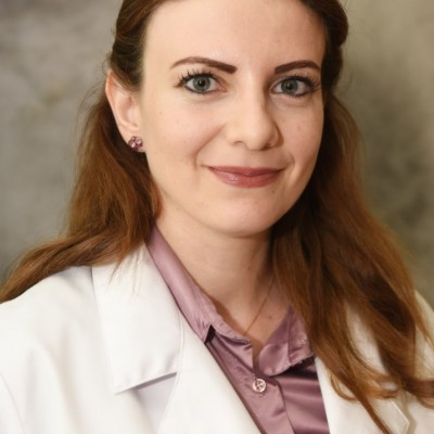 Dr Mary Darrouj
