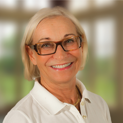 Dr Eva Gorton