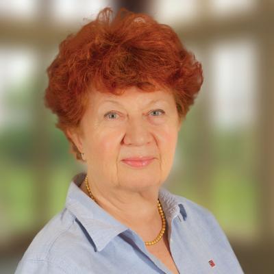 Dr Gertrud Koster